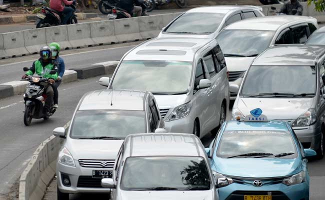 Indonesia U-Turn On Taxi App Ban After Online Fury