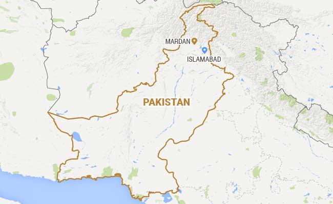 पाकिस्तान में सड़क दुर्घटना, सिलेंडर फटने से हुई 14 लोगों की मौत