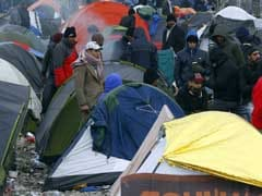Stranded Migrants Clash With Police on Greek-Macedonian Border