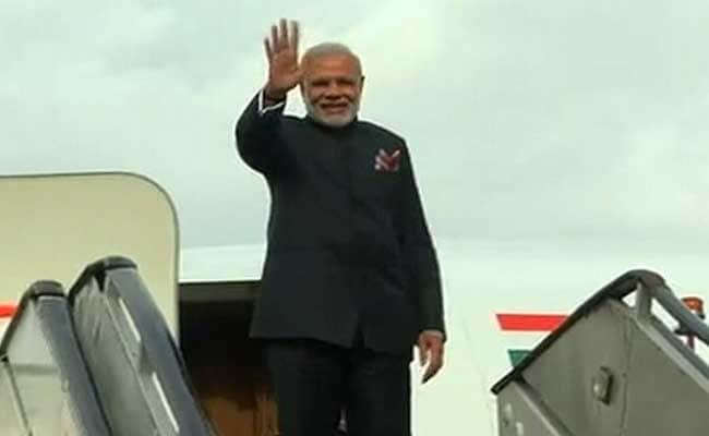 'Shocked' By PM Modi's Surprise Visit To Lahore, Says JD(U)