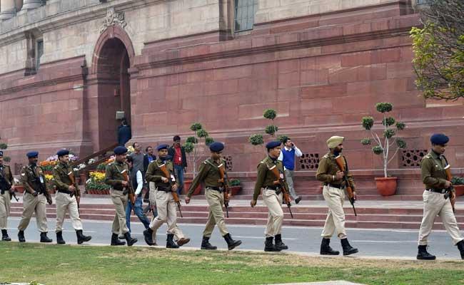 संसद पर हमले के 14 साल जब 'लोकतांत्रिक गौरव' की रक्षा में 8 जवान शहीद हुए थे