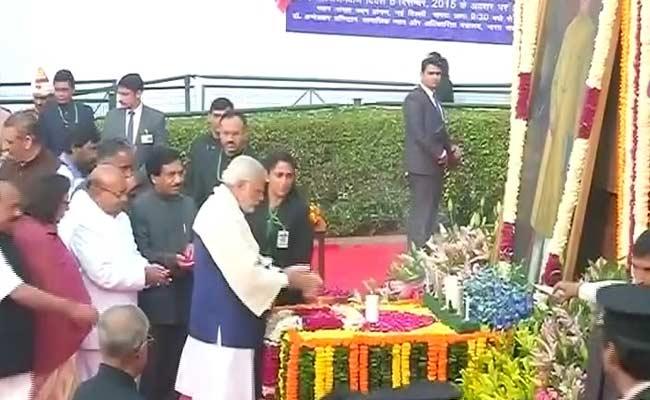 डॉ. अंबेडकर की पुण्यतिथि पर राष्ट्रपति, प्रधानमंत्री समेत देश ने किया उन्हें याद किया