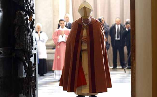 Don't Let Sadness Win In These Fearful Times: Pope