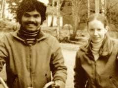 #Valentine Day: यही है प्यार! पत्नी से मिलने साइकिल से पहुंच गया दिल्ली से स्वीडन