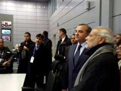 Prime Minister Narendra Modi Visits Russian Crisis Management Centre