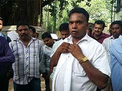 बेंगलुरु : ट्रैफिक पुलिस कर्मियों ने शराबी ड्राईवर को पीटा और सड़क पर छोड़ दिया