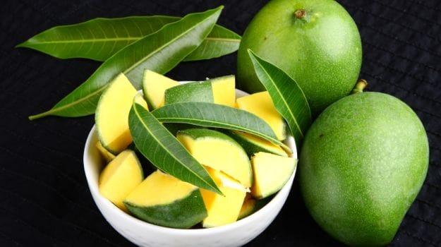 Raw Green Mango Health Benefits: 4 Amazing Benefits Of Eating Raw Mango In Summer, Kache Aam Ke Fayde