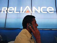 Reliance Communications Shares Continue Downward Spiral, Close 4% Lower