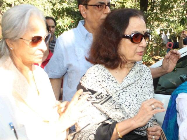 Sadhana Shivdasani Cremated, Waheeda Rehman, Asha Parekh Bid Farewell