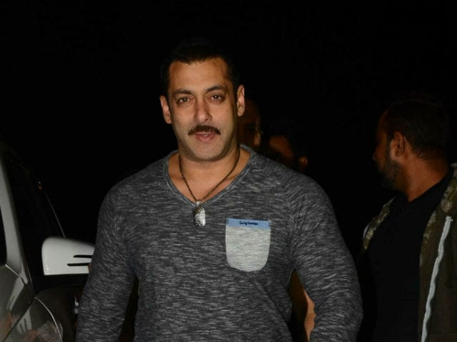 Inside Pics of Salman Khan's Birthday Party With Kangana, Sonam