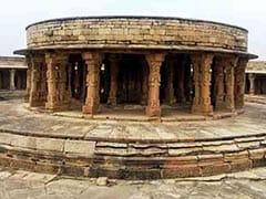 संसद भवन की डिजाइन है इस मंदिर पर आधारित, पैरों तले घिस रहा है इतिहास