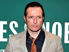 Grammy-Winning 'Grunge' Singer Scott Weiland Dead at 48