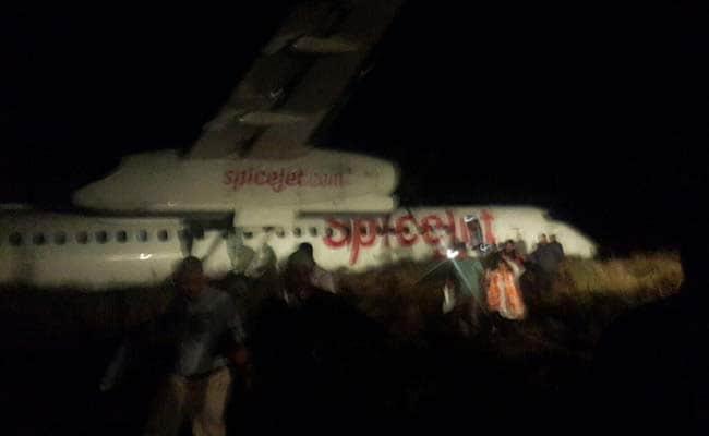 SpiceJet Aircraft Hits Wild Boars on Jabalpur Runway, Passengers Evacuated
