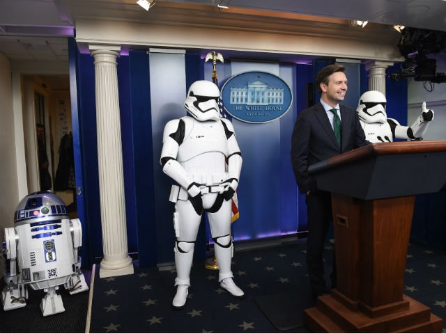 The Force Awakens at The White House. Stormtroopers, R2D2 Invited