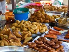 Why Should You Avoid Street Food In Monsoon: 5 Handy Tips To Eat Out This Season
