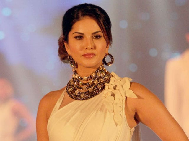 Sunny Leone Says Bollywood Reacts to Her 'Differently Now'