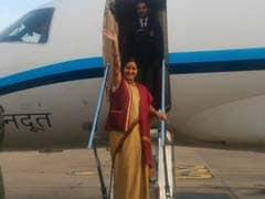 'हार्ट ऑफ एशिया' समिट के लिए पाक पहुंचीं विदेशमंत्री, बोलीं- बेहतर होने चाहिए भारत-पाक संबंध