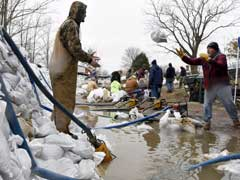 US Midwest Braces For More Flooding As Rain-Swollen Rivers Rise