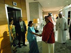 Foreign Minister Sushma Swaraj Meets Bahrain's King, Discusses Bilateral Ties