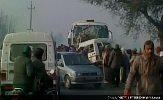 यूपी : बलरामपुर में सड़क दुर्घटना में 12 मरे, एक गंभीर