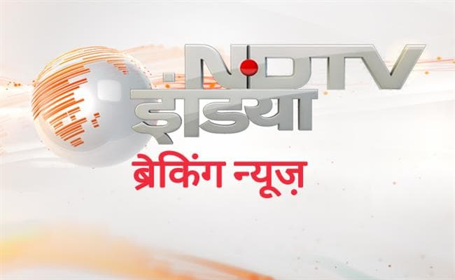 NEWS FLASH: गृह मंत्री राजनाथ सिंह और वरिष्ठ भाजपा नेता लालकृष्ण आडवाणी पूर्व प्रधानमंत्री अटल बिहारी वाजपेयी का हाल जानने एम्स पहुंचे