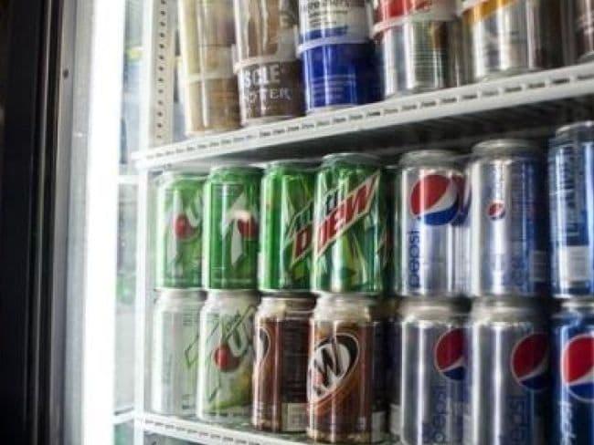 बोतलबंद पेय पदार्थों के इस्तेमाल से बढ़ रही है लोगों की समस्याएं