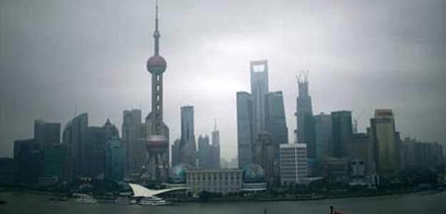 Chinese Apparel Chief Latest Billionaire to Vanish