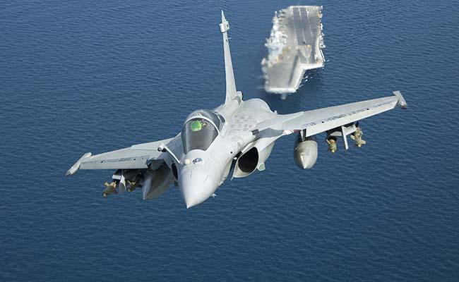 भारतीय नौसेना के 57 लड़ाकू विमानों का सौदा हासिल करने के लिए राफेल ने लगाया जोर