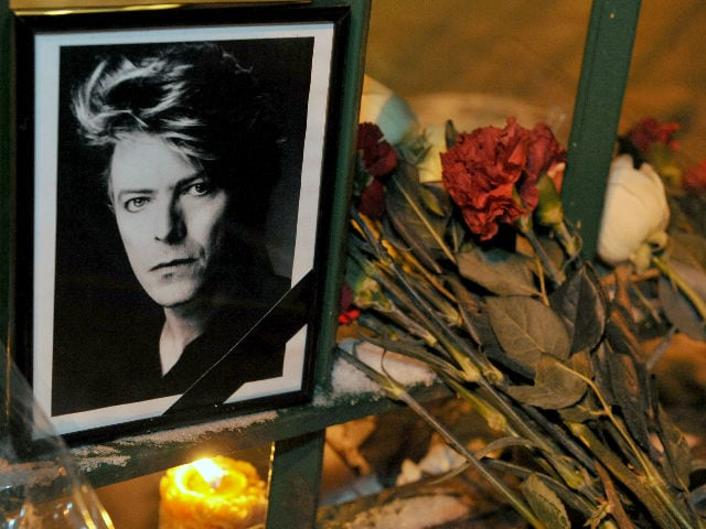 Death Brings a Breakthrough Moment in David Bowie's Brilliant Career