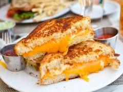 Quick And Hassle-Free Recipe: सुबह के नाश्ते में फटाफट बनाएं आलू ब्रेड, यहां देखें रेसिपी