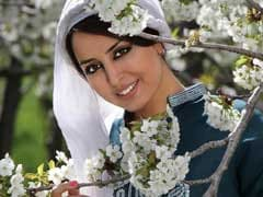 Iranian Poet Released On Bail Before Appeal Hearing