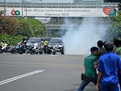 तस्वीरें : इंडोनेशिया की राजधानी जकार्ता में एक के बाद एक धमाके