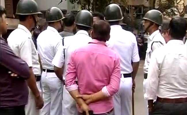 कोलकाता में ट्रिपल मर्डर : पुलिस का दावा, बिजनेसमैन ने पत्नी-बेटों की हत्या की