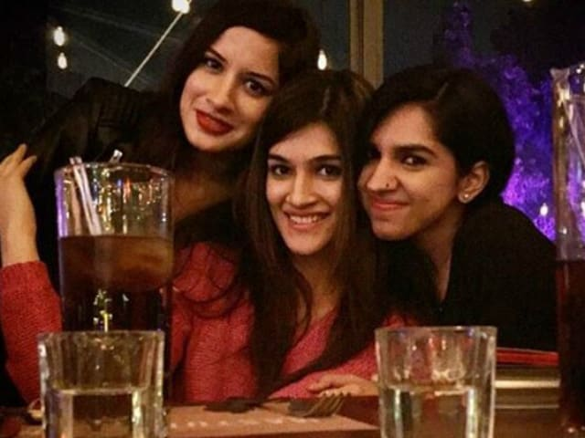 Kriti Sanon Partied at a Delhi Club Without Being Recognised. Here's How