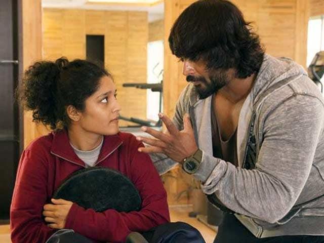 Ritika Singh on Bollywood Journey. Saala Khadoos Madhavan Helped