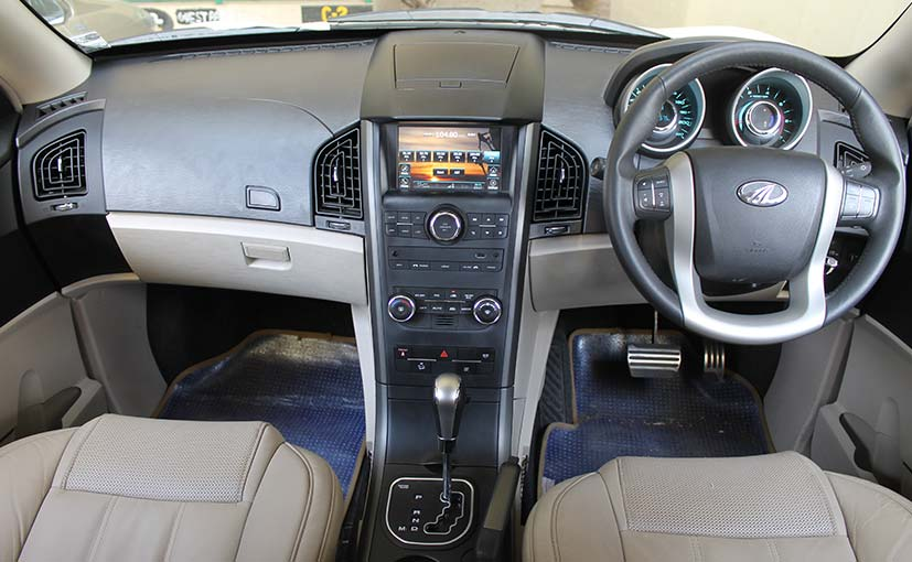 The Mahindra XUV500 Comes With Both a 6-speed Automatic and 6-Speed Manual Gearbox