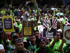 Protesters Hit The Streets To Oppose Malaysia Signing Pacific Deal