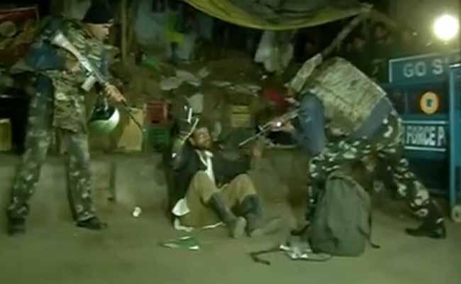 पठानकोट एयरबेस के पास संदिग्ध परिस्थितियों में पकड़ा गया शख्स शराबी निकला : सूत्र