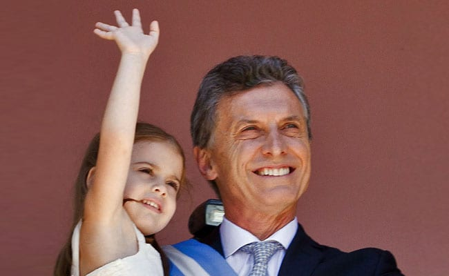 Argentine President Cracks Rib While Playing With Daughter