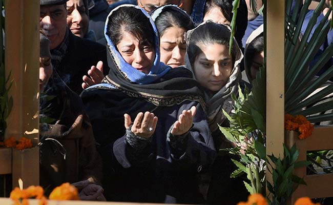 Mehbooba Mufti Breaks Down At Lawmakers' Meet, Silent On Taking Over
