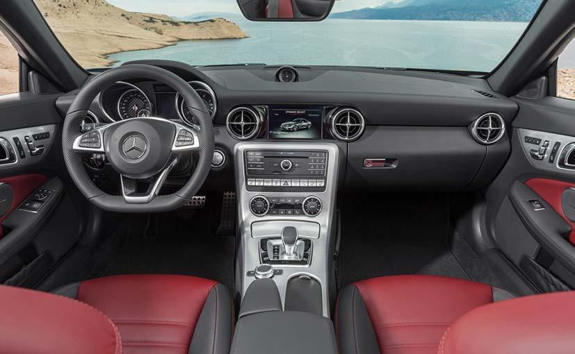 Mercedes-AMG SLC 43 Cabin