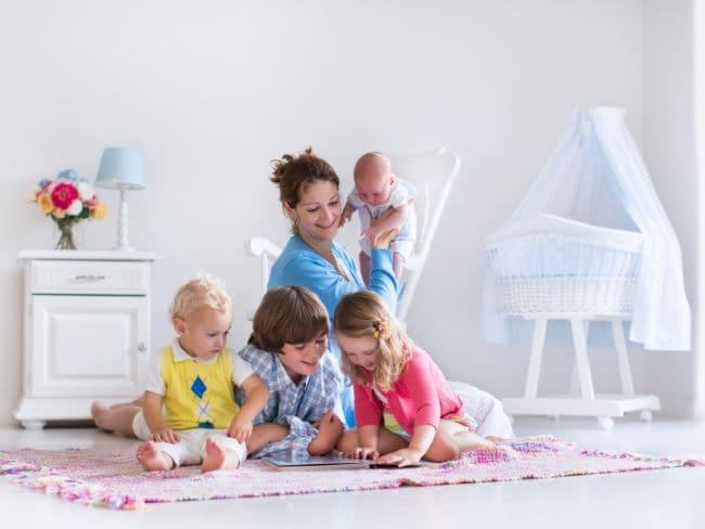 लंबी उम्र चाहिए तो बड़ा परिवार ही बेहतर है : रिसर्च