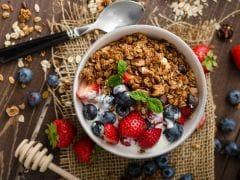 Soak Oats Overnight To Make Bircher Muesli For The Easiest Breakfast Recipe Ever!