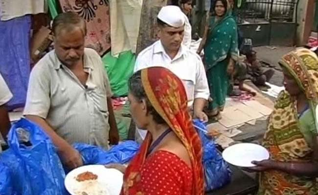 In Fight Against Hunger, Mumbai's Dabbawalas Come Up With 'Roti Bank'