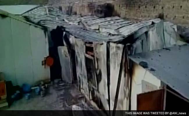 जम्मू-कश्मीर : सुरंग प्रोजेक्ट में काम करने वाले 10 मजदूरों की आग लगने से मौत
