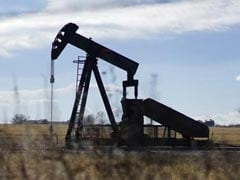 Oil Sinks, Pressured by China, OPEC and Warmer US Weather