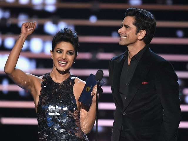 When John Stamos Interrupted Priyanka Chopra's People's Choice Speech