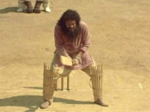 RIP Rajesh Vivek: Aamir Khan, Rishi Kapoor Pay Tribute to Lagaan's Baba