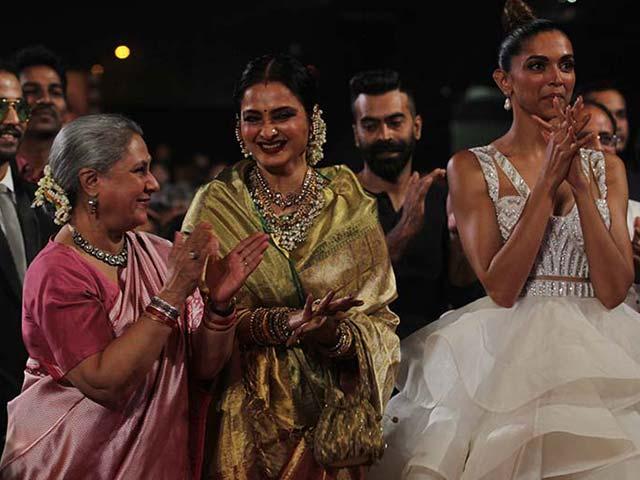 Screen Awards: Bachchans, Rekha, Ranveer, Deepika Make it a Starry Silsila