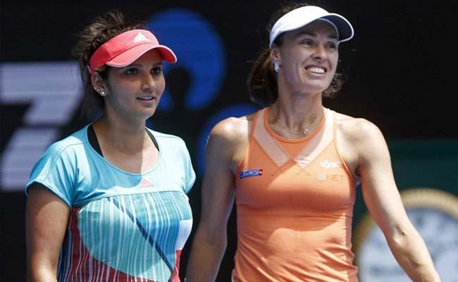 सानिया मिर्जा ने मार्टिना हिंगिस से साझेदारी तोड़ी, स्ट्रीकोवा के साथ जोड़ी बनाई